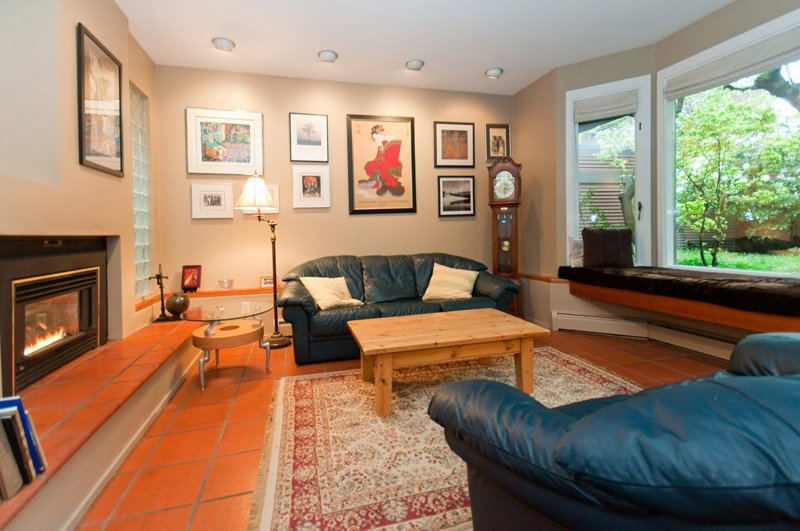 Photo 5: Photos: 2958 W 3RD Avenue in Vancouver: Kitsilano Townhouse for sale (Vancouver West)  : MLS®# V825641