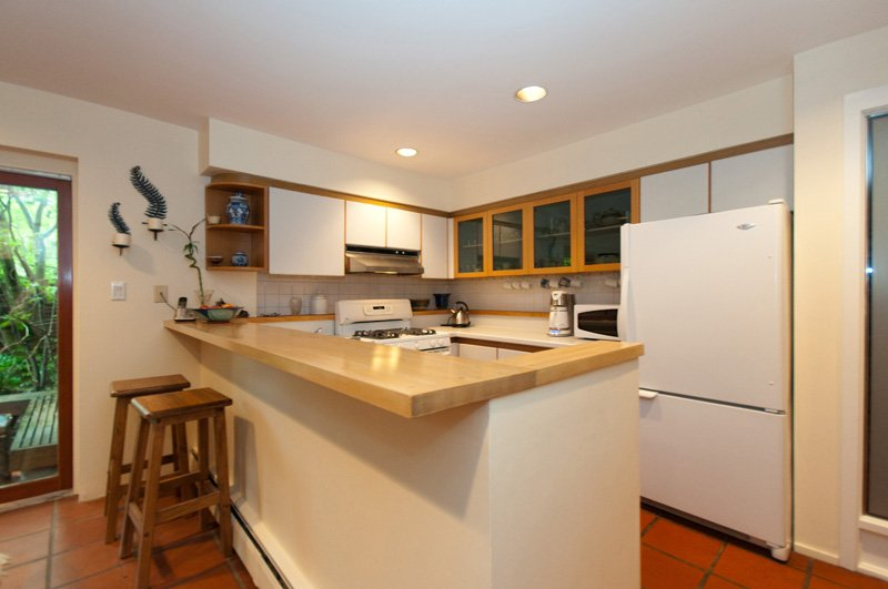 Photo 9: Photos: 2958 W 3RD Avenue in Vancouver: Kitsilano Townhouse for sale (Vancouver West)  : MLS®# V825641