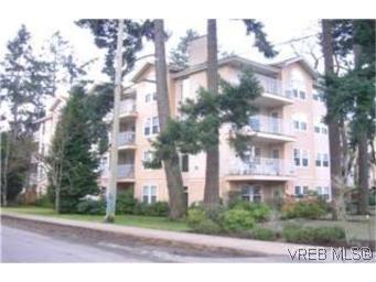 Main Photo:  in VICTORIA: La Fairway Condo Apartment for sale (Langford)  : MLS®# 387105