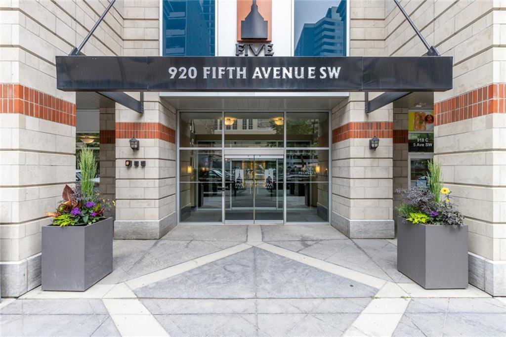 Main Photo: 2305 920 5 Avenue SW in Calgary: Downtown Commercial Core Apartment for sale : MLS®# A1036864
