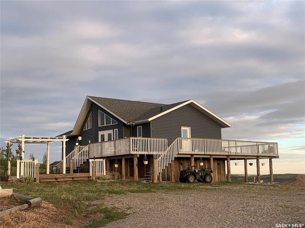 Main Photo: Schmidtz Acreage in Round Valley: Residential for sale (Round Valley Rm No. 410)  : MLS®# SK833282