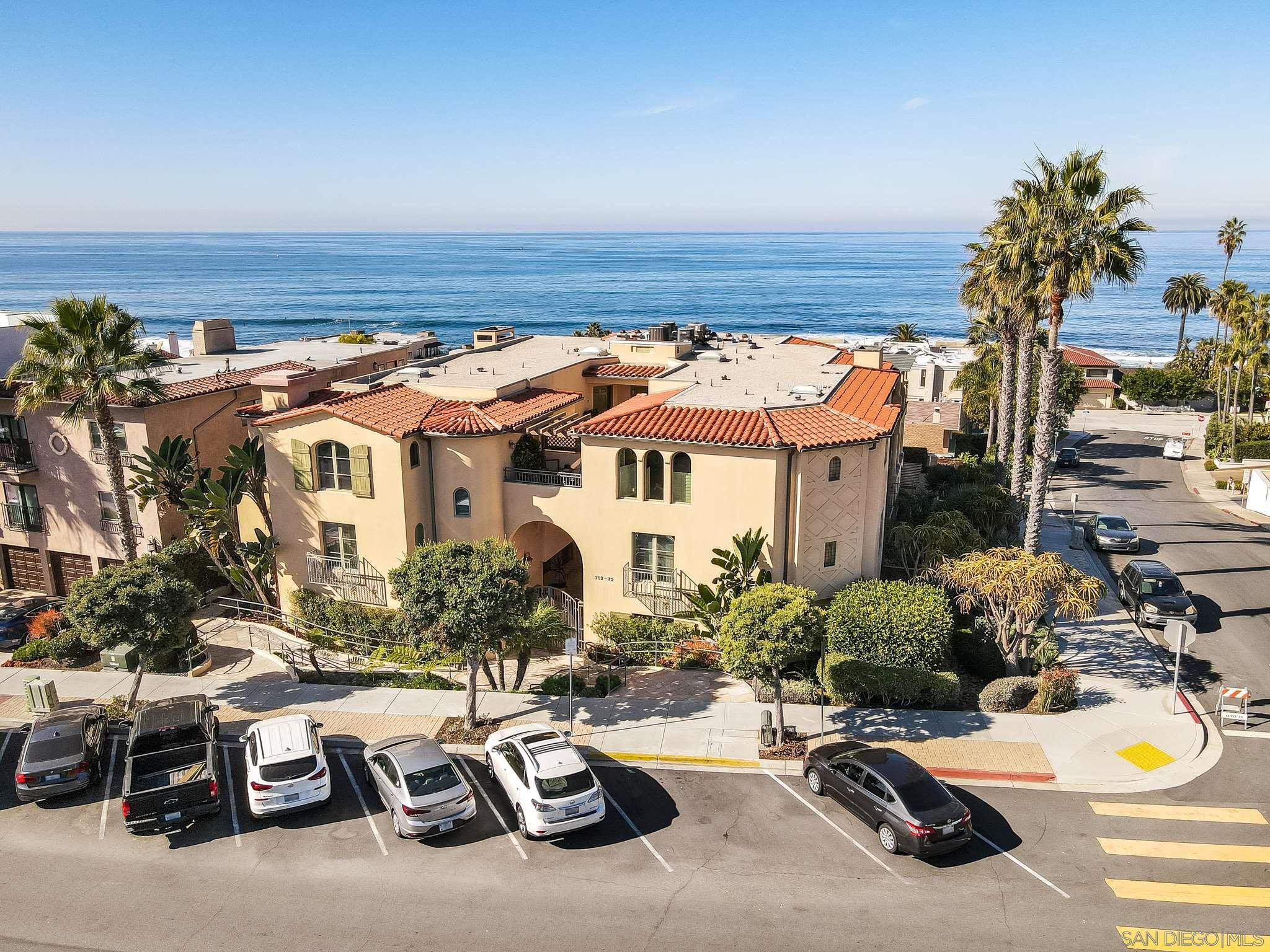 Main Photo: LA JOLLA Condo for sale : 3 bedrooms : 370 Prospect Street