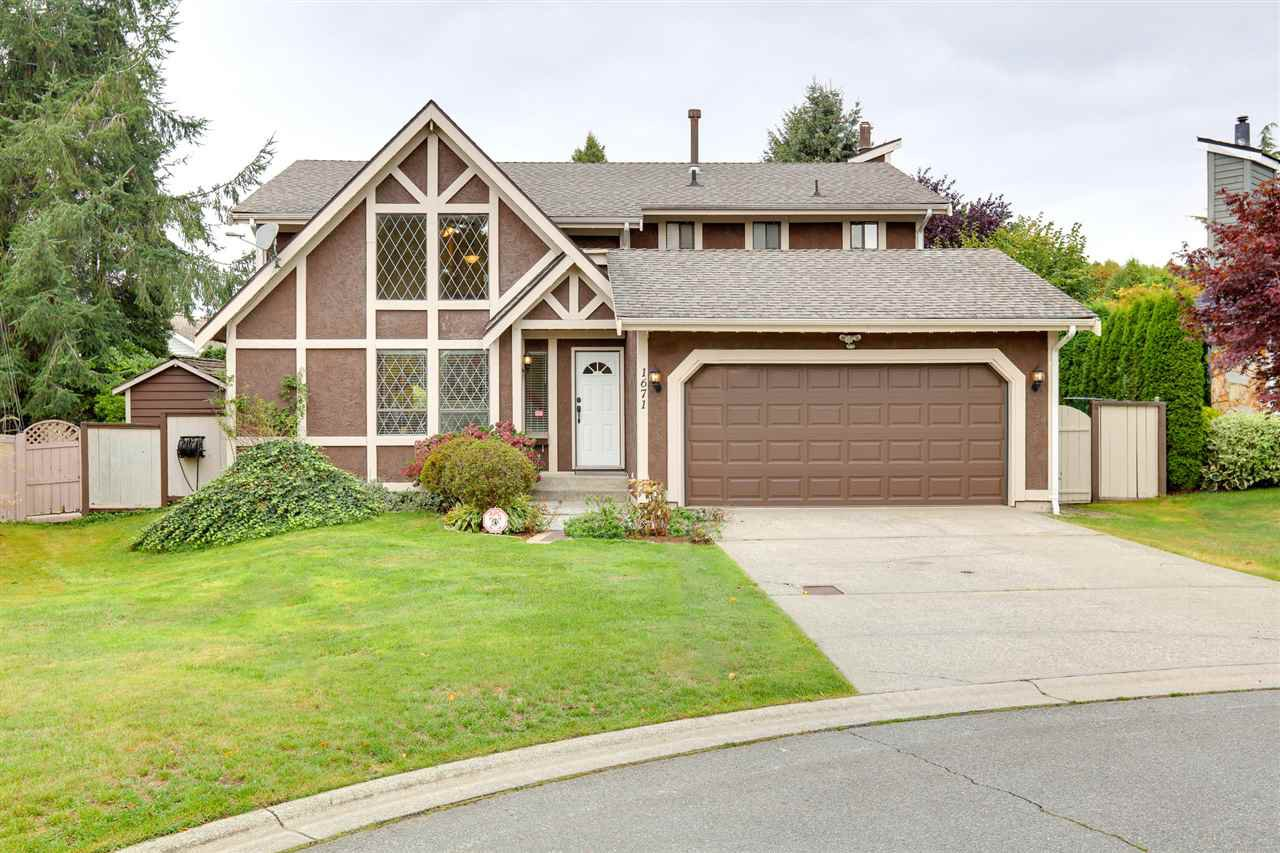Main Photo: 1671 141B Street in Surrey: Sunnyside Park Surrey House for sale (South Surrey White Rock)  : MLS®# R2406872