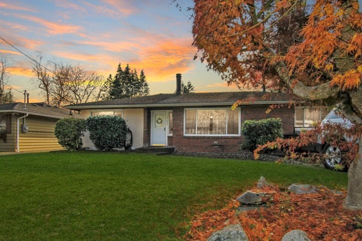 Main Photo: 21494 123 Avenue in Maple Ridge: West Central House for sale : MLS®# R2436435