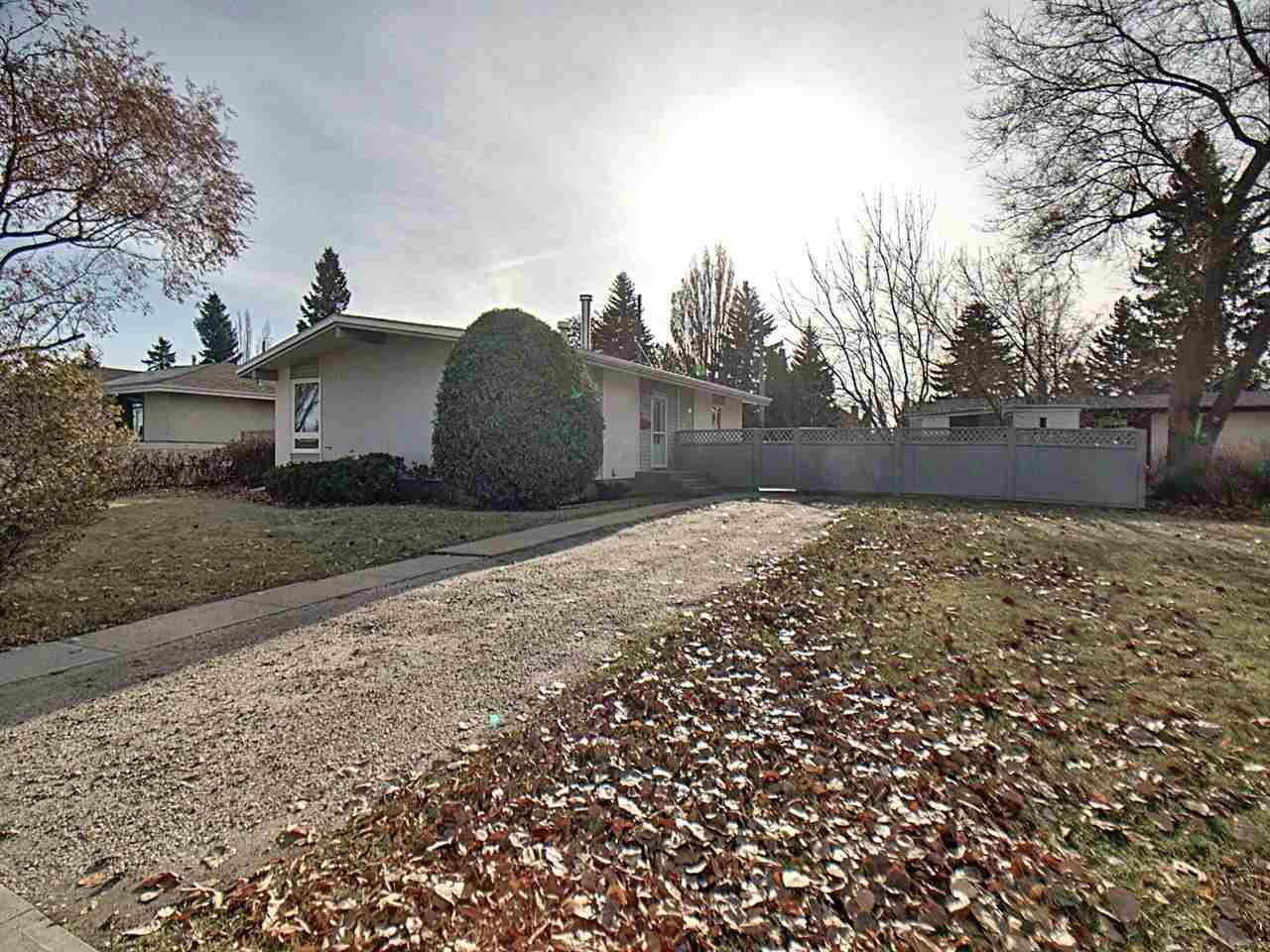 Main Photo: 15421 76 Avenue in Edmonton: Zone 22 House for sale : MLS®# E4193288