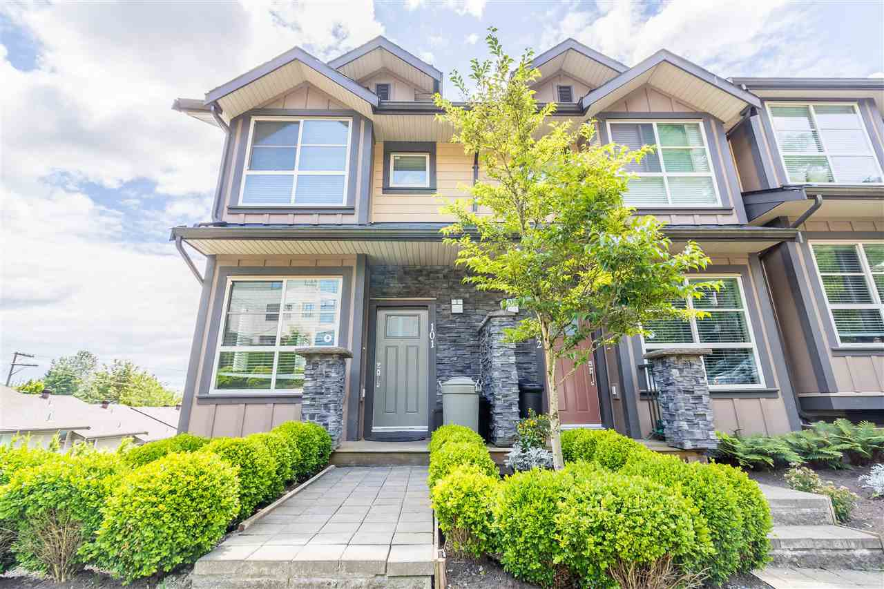 "Main Photo: 101 1418 CARTIER Avenue in Coquitlam: Maillardville Townhouse for sale in ""CARTIER PLACE"" : MLS®# R2477824"