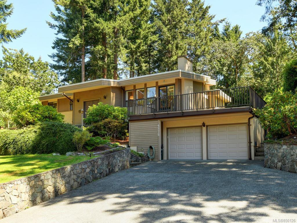 Main Photo: 4575 Rithetwood Dr in : SE Broadmead Single Family Detached for sale (Saanich East)  : MLS®# 850126