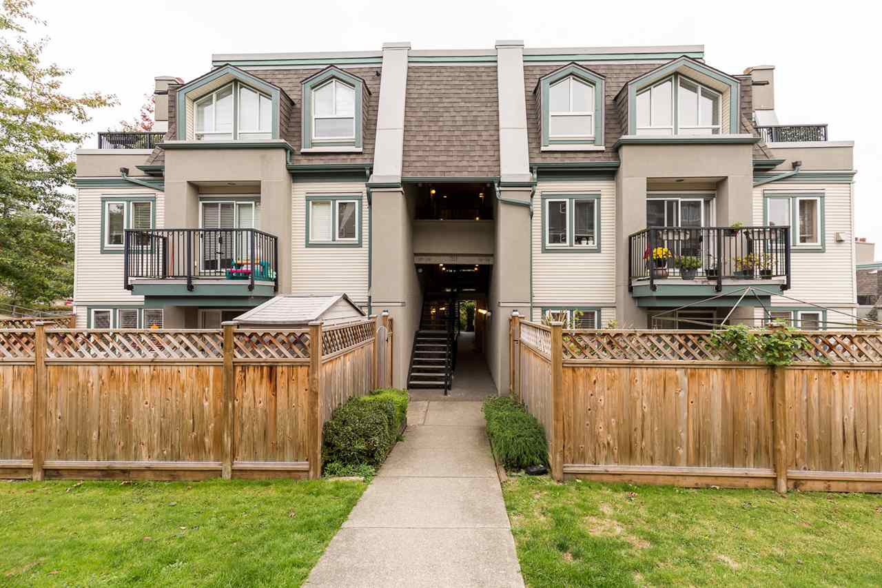 """Main Photo: 120 217 BEGIN Street in Coquitlam: Maillardville Townhouse for sale in """"PLACE FOUNTAINBLEAU"""" : MLS®# R2511340"""
