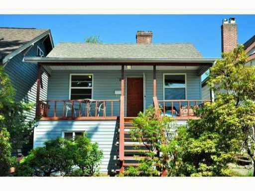 Main Photo: 614 E 4TH Street in North Vancouver: Queensbury House for sale : MLS®# V848038