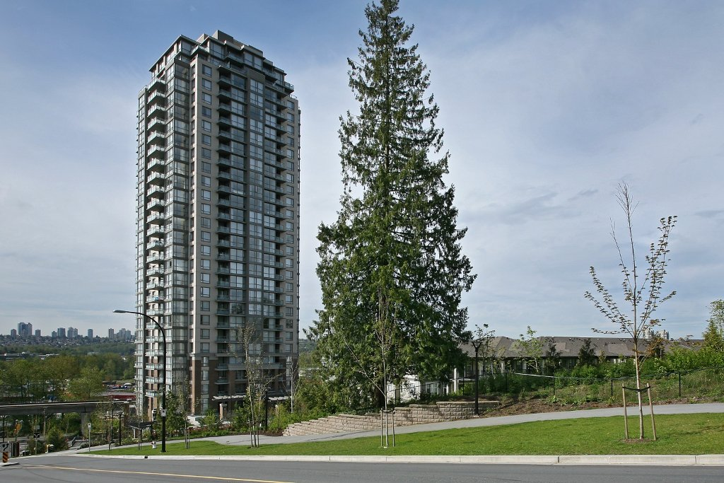 """Photo 2: Photos: 504 4888 BRENTWOOD Drive in Burnaby: Brentwood Park Condo for sale in """"BRENWOOD GATE"""" (Burnaby North)  : MLS®# V856167"""