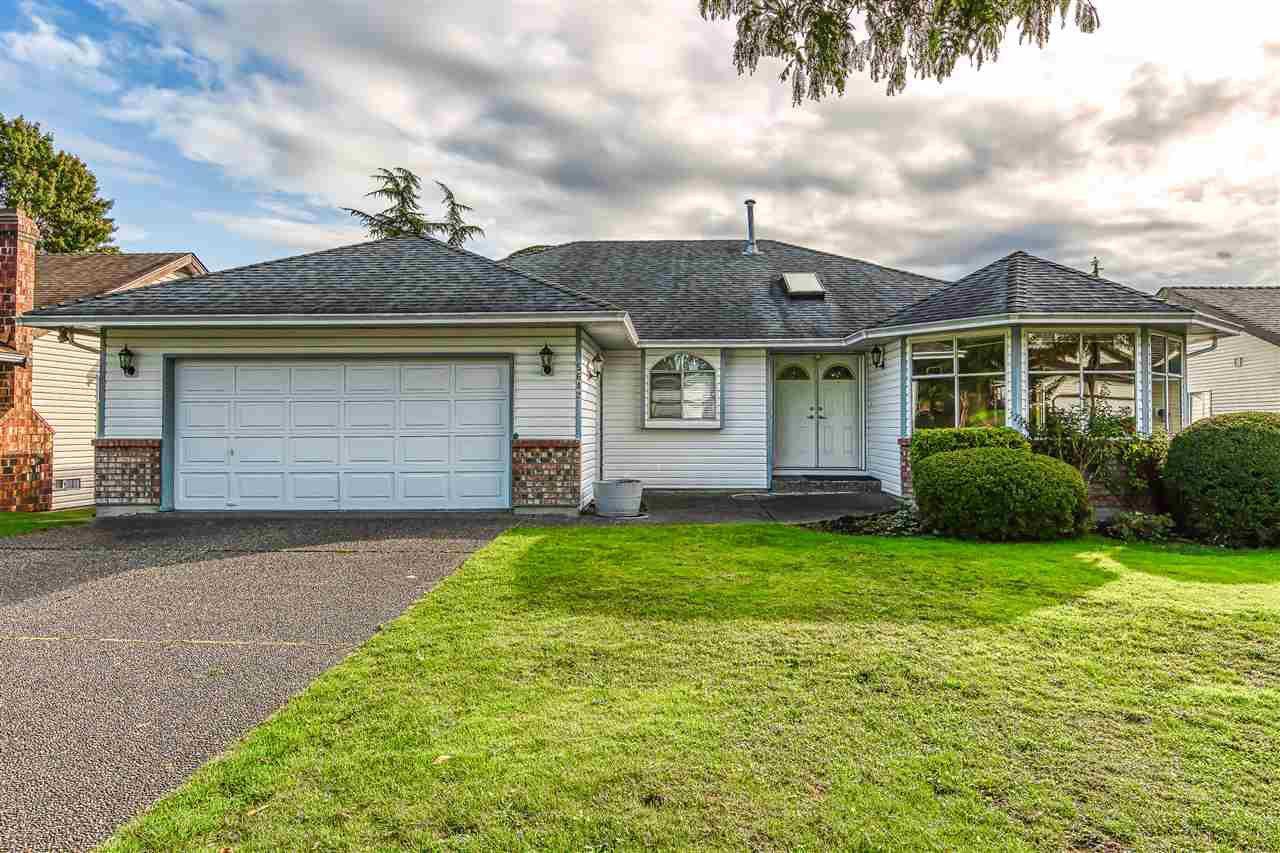 "Main Photo: 5642 SUNDALE Grove in Surrey: Cloverdale BC House for sale in ""Sunrise estates"" (Cloverdale)  : MLS®# R2411905"