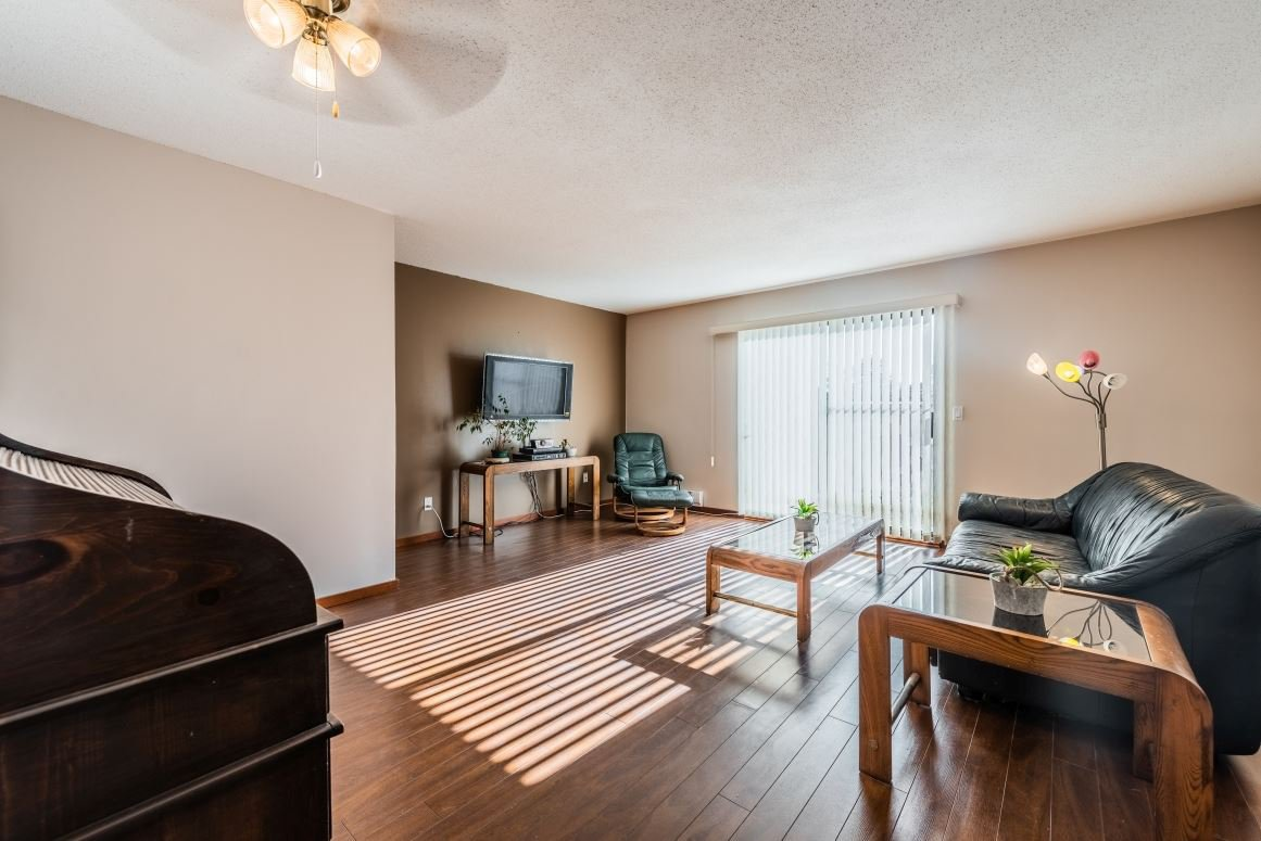 """Main Photo: 56 6641 138 Street in Surrey: East Newton Townhouse for sale in """"HYLAND CREEK ESTATES"""" : MLS®# R2412860"""