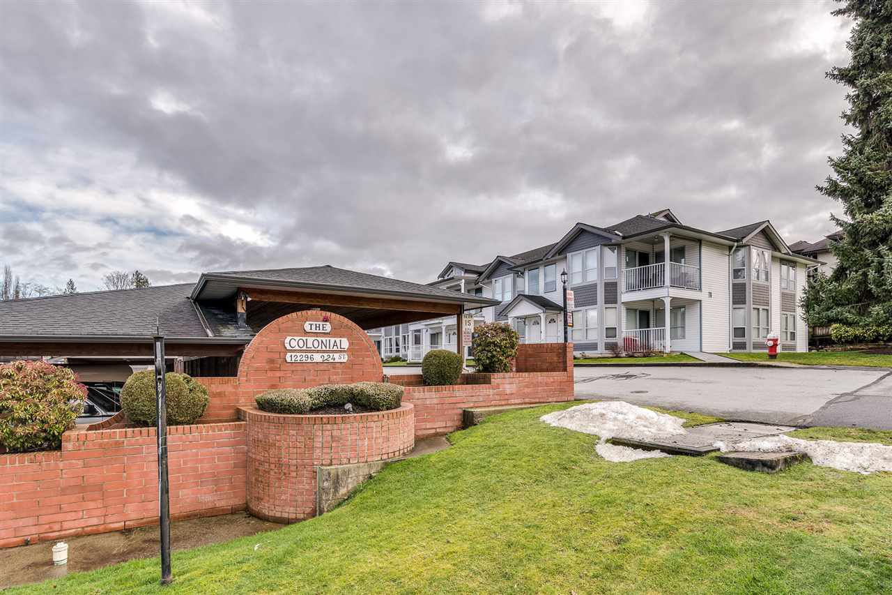 "Photo 19: Photos: 29 12296 224 Street in Maple Ridge: East Central Townhouse for sale in ""THE COLONIAL"" : MLS®# R2432435"