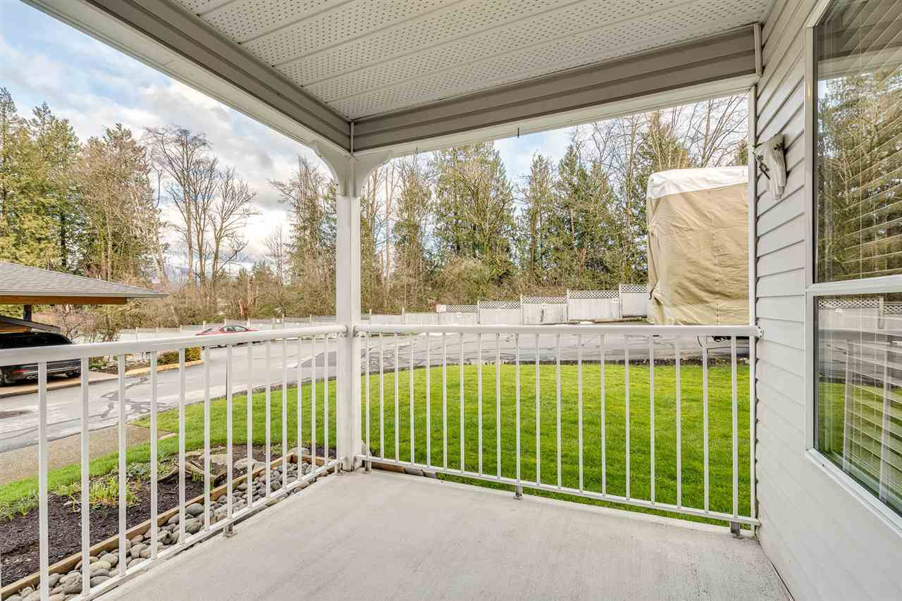 "Photo 16: Photos: 29 12296 224 Street in Maple Ridge: East Central Townhouse for sale in ""THE COLONIAL"" : MLS®# R2432435"