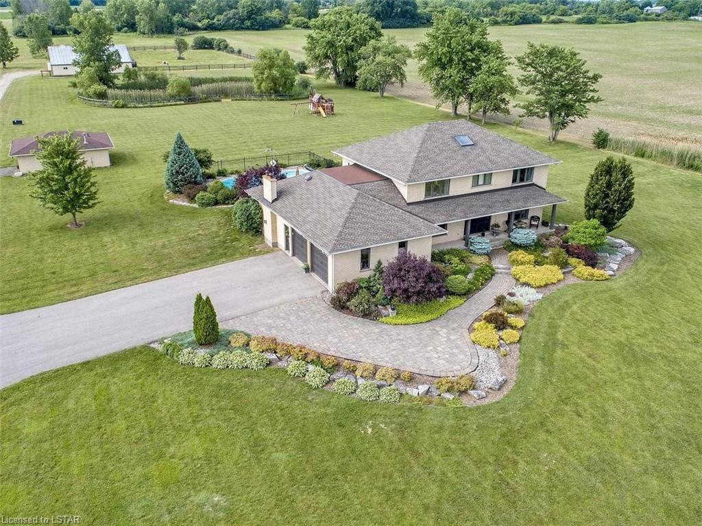 Main Photo: 6501 WESTMINSTER Drive in London: South GG Farm for sale (South)  : MLS®# 268964