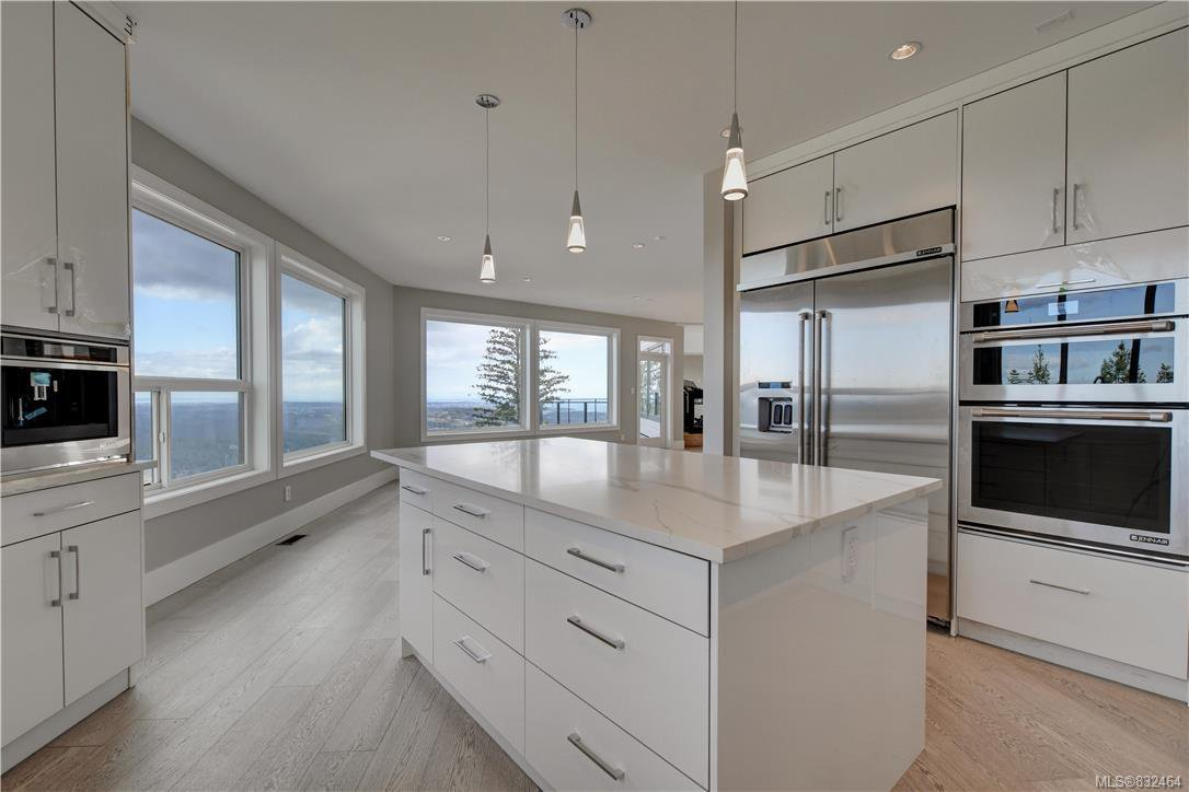 Main Photo: 2198 Navigators Rise in Langford: La Bear Mountain Single Family Detached for sale : MLS®# 832464