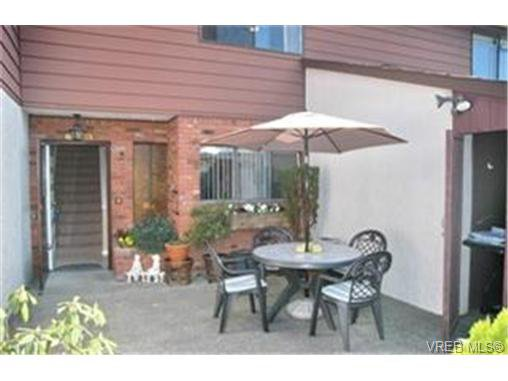 Main Photo:  in VICTORIA: La Langford Proper Row/Townhouse for sale (Langford)  : MLS®# 463608