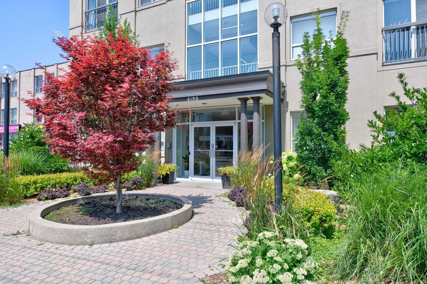 Main Photo: 306 4198 W Dundas Street in Toronto: Edenbridge-Humber Valley Condo for lease (Toronto W08)  : MLS®# W4534507