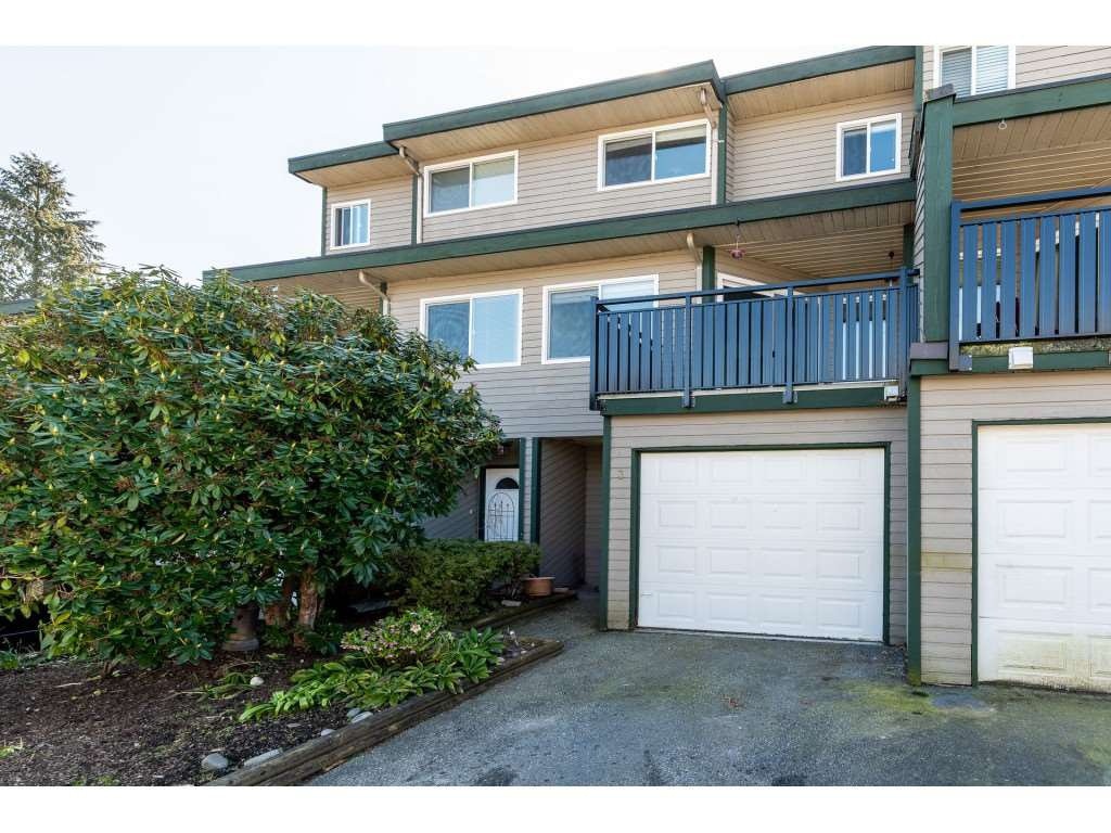 "Main Photo: 3 12120 189A Street in Pitt Meadows: Central Meadows Townhouse for sale in ""MEADOW ESTATES"" : MLS®# R2446093"