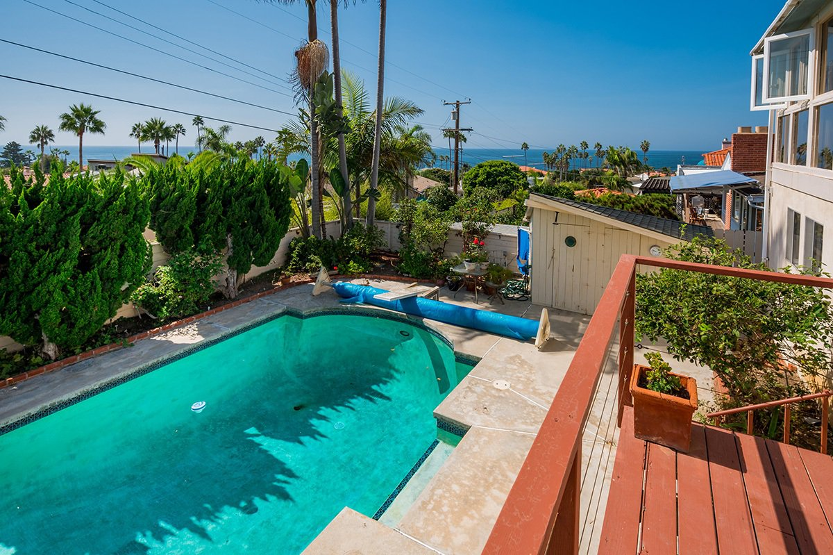 Main Photo: OCEAN BEACH House for sale : 4 bedrooms : 4525 Alhambra Street in San Diego