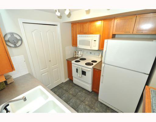 """Photo 5: Photos: 202 655 W 7TH Avenue in Vancouver: Fairview VW Townhouse for sale in """"The Ivys"""" (Vancouver West)  : MLS®# V777354"""