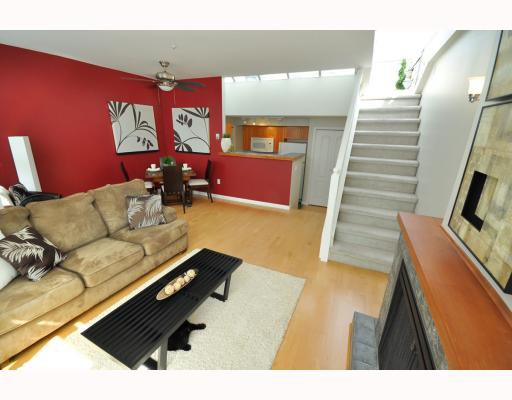 """Photo 3: Photos: 202 655 W 7TH Avenue in Vancouver: Fairview VW Townhouse for sale in """"The Ivys"""" (Vancouver West)  : MLS®# V777354"""