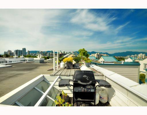 """Photo 9: Photos: 202 655 W 7TH Avenue in Vancouver: Fairview VW Townhouse for sale in """"The Ivys"""" (Vancouver West)  : MLS®# V777354"""