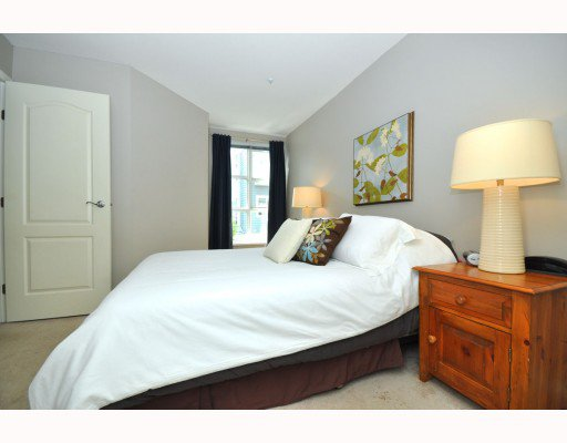 """Photo 6: Photos: 202 655 W 7TH Avenue in Vancouver: Fairview VW Townhouse for sale in """"The Ivys"""" (Vancouver West)  : MLS®# V777354"""