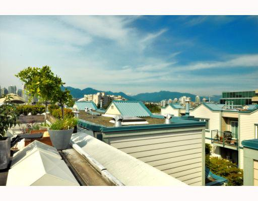 """Photo 10: Photos: 202 655 W 7TH Avenue in Vancouver: Fairview VW Townhouse for sale in """"The Ivys"""" (Vancouver West)  : MLS®# V777354"""