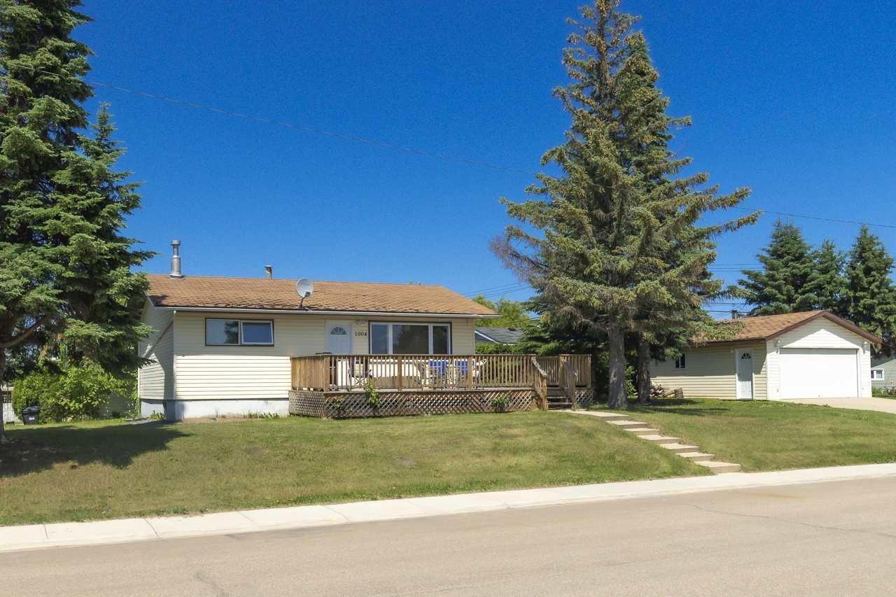Main Photo: 1004 5 Avenue: Cold Lake House for sale : MLS®# E4204764