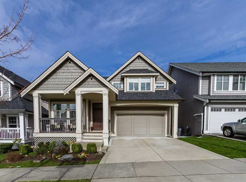 Main Photo: 17885 70A AVENUE in Surrey: Cloverdale BC Home for sale ()  : MLS®# R2040232