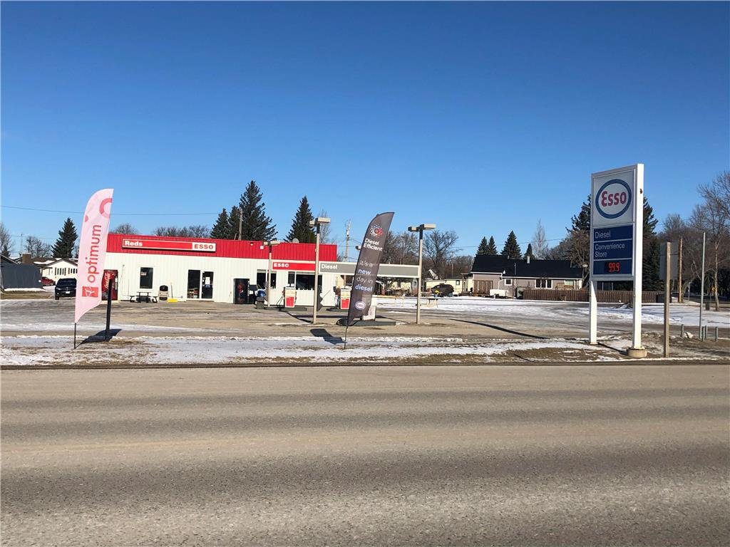 Main Photo: 28 Main Street in Manitou: Industrial / Commercial / Investment for sale (R35 - South Central Plains)  : MLS®# 202028231