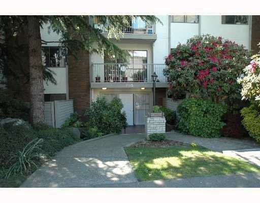 Main Photo: 302 1515 CHESTERFIELD Avenue in North_Vancouver: Central Lonsdale Condo for sale (North Vancouver)  : MLS®# V719408