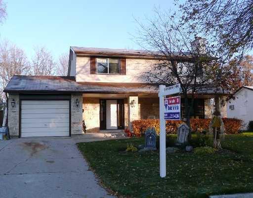 Main Photo: 35 TRACY Crescent in WINNIPEG: St Vital Residential for sale (South East Winnipeg)  : MLS®# 2820043