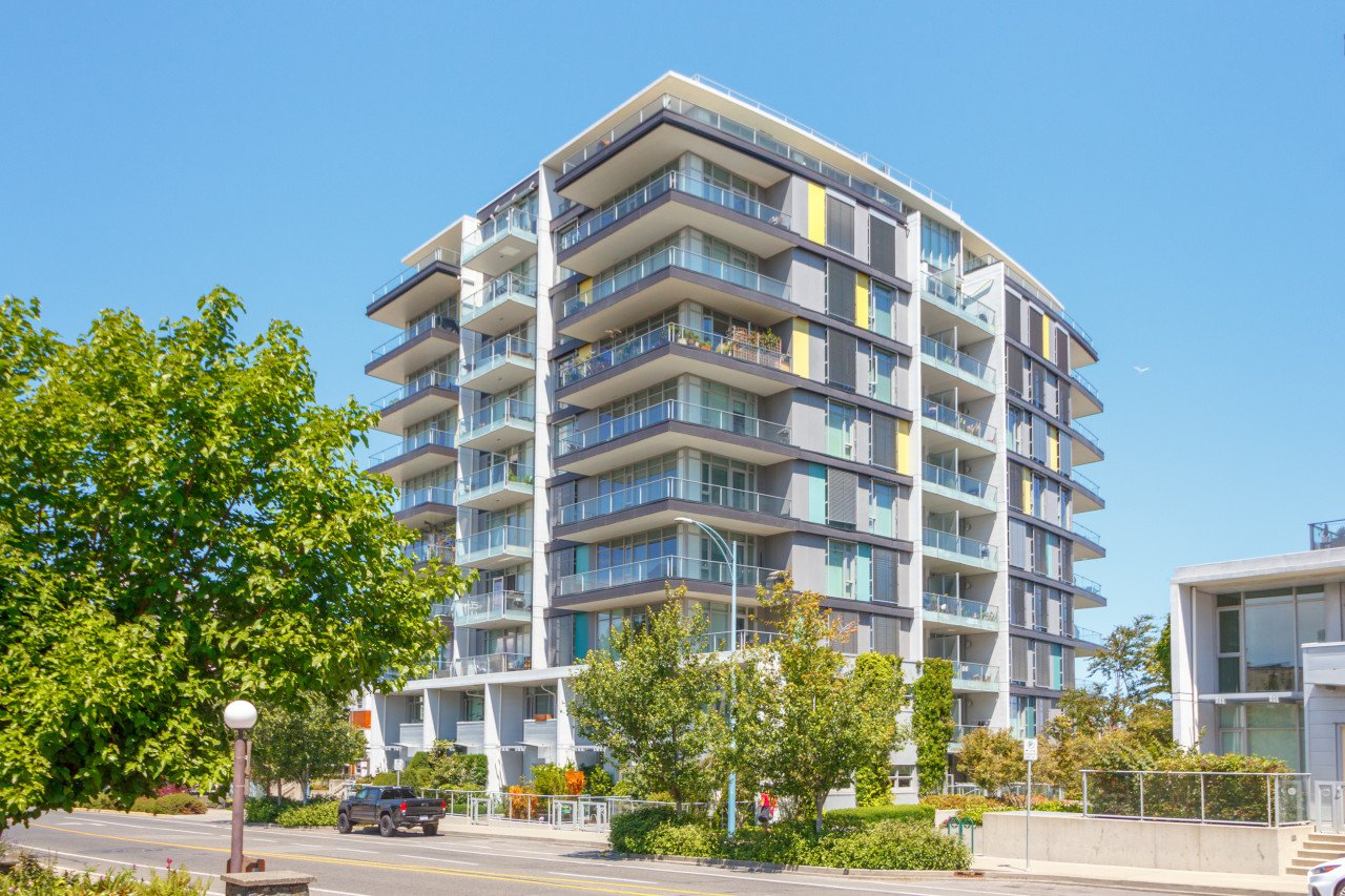 Main Photo: 403 379 Tyee Road in VICTORIA: VW Victoria West Condo Apartment for sale (Victoria West)  : MLS®# 414199