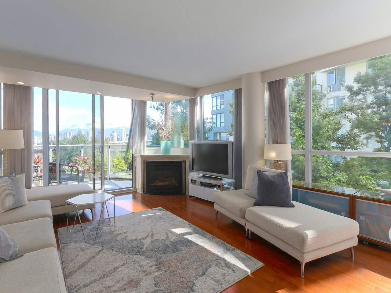 "Main Photo: 404 1485 W 6TH Avenue in Vancouver: False Creek Condo for sale in ""Carrara of Portico"" (Vancouver West)  : MLS®# R2408477"