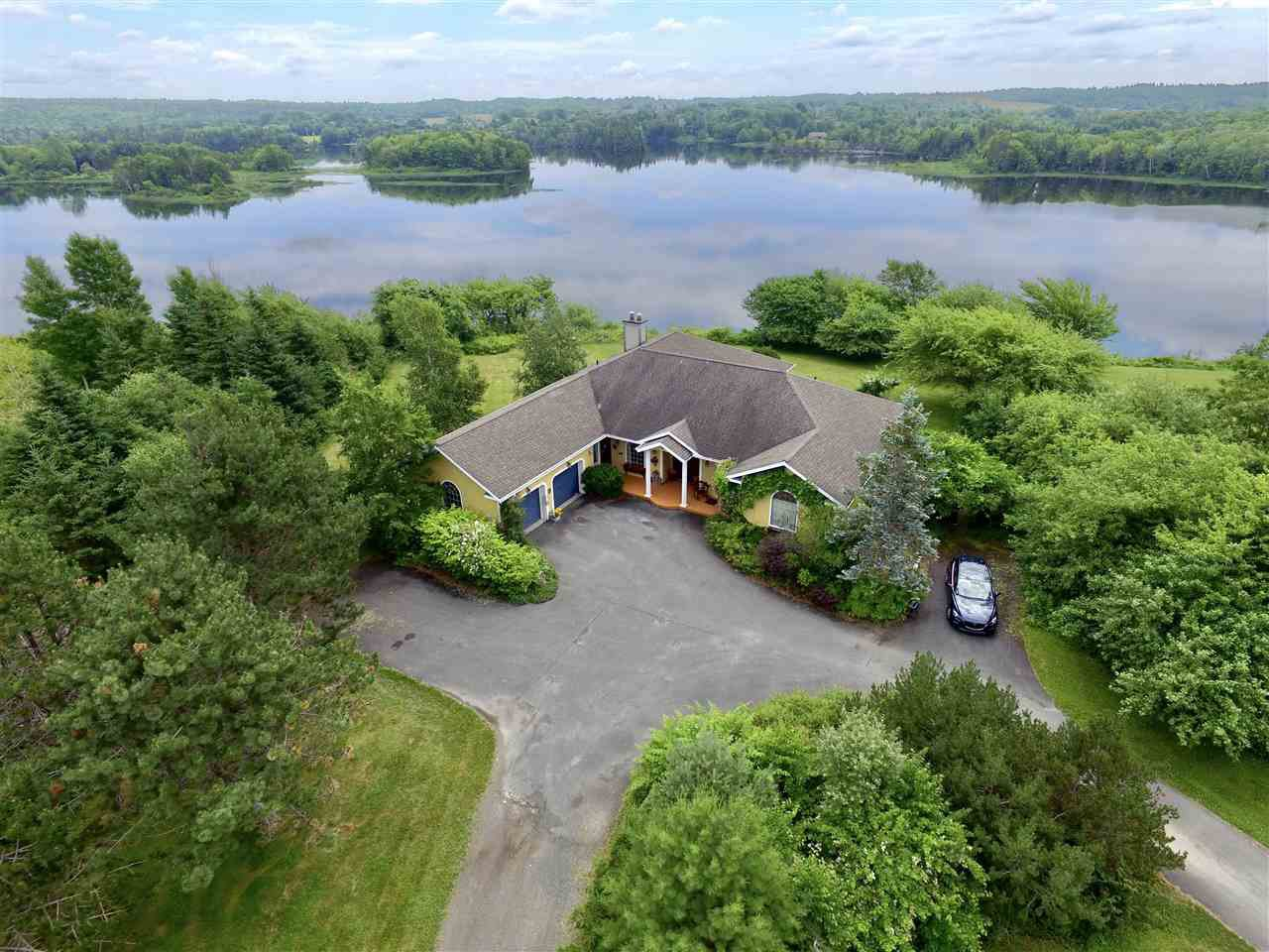 Main Photo: 797 Coxheath Road in Sydney: 202-Sydney River / Coxheath Residential for sale (Cape Breton)  : MLS®# 201926985