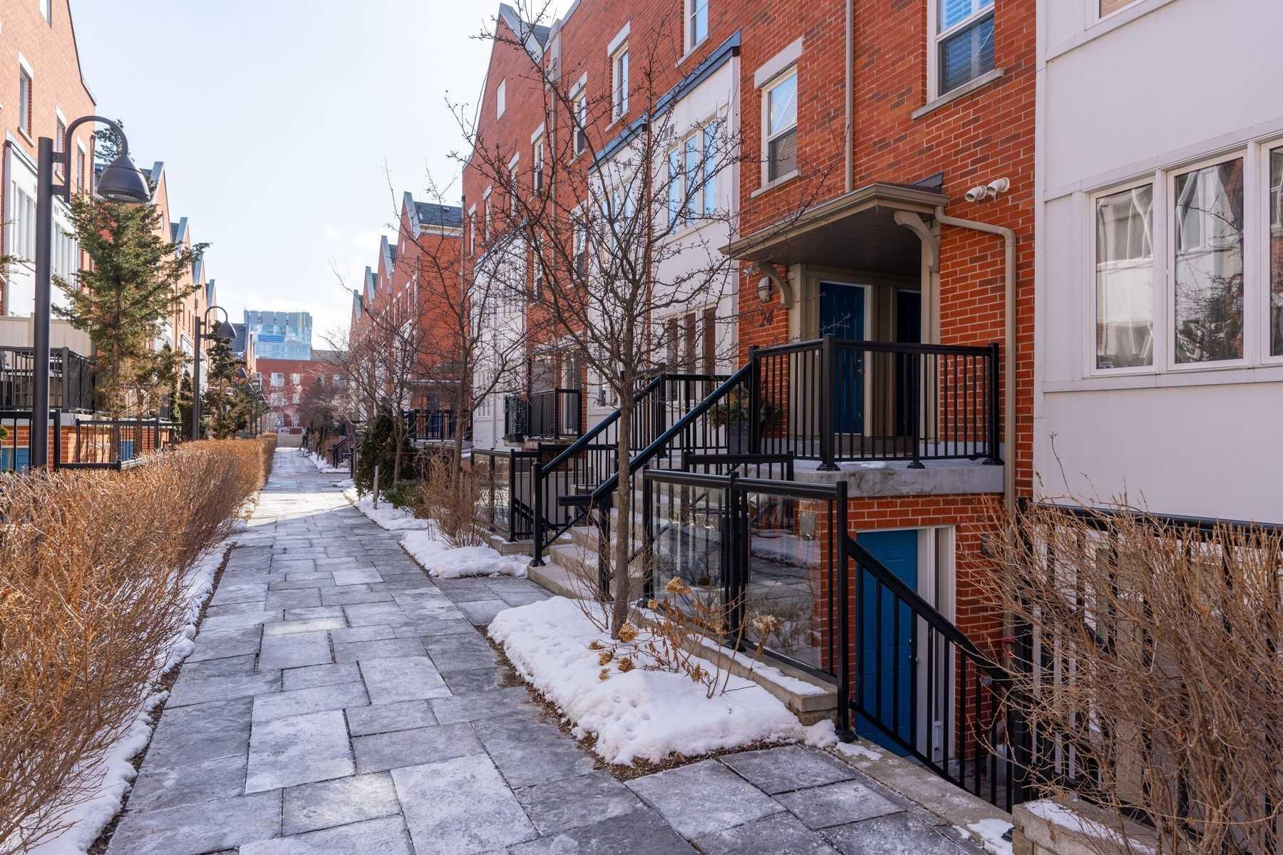 Main Photo: 8 24 Florence Wyle Lane in Toronto: South Riverdale Condo for sale (Toronto E01)  : MLS®# E4701269