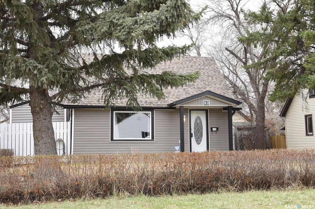 Main Photo: 52 Charles Crescent in Regina: Rosemont Residential for sale : MLS®# SK806148