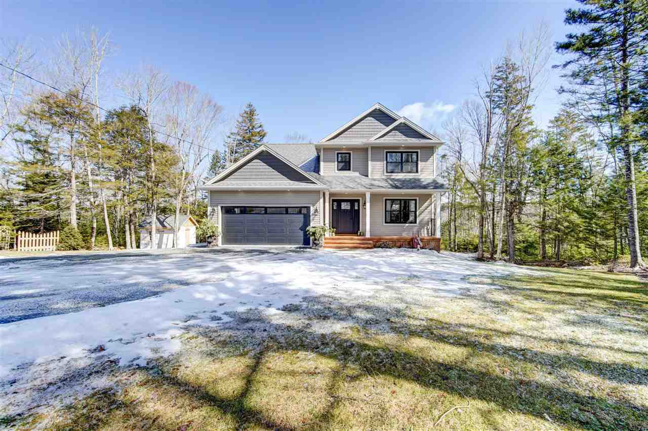 Main Photo: 229 Rebecca Drive in Beaver Bank: 26-Beaverbank, Upper Sackville Residential for sale (Halifax-Dartmouth)  : MLS®# 202005209
