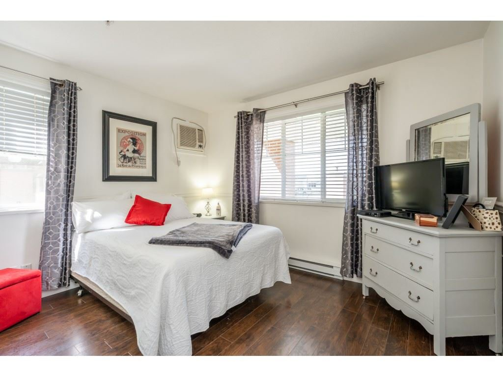 """Photo 11: Photos: 104 19774 56 Avenue in Langley: Langley City Condo for sale in """"Madison Station"""" : MLS®# R2452129"""