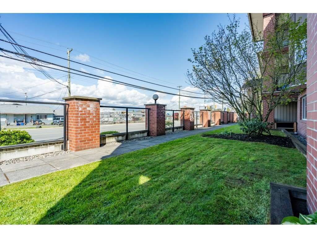 """Photo 20: Photos: 104 19774 56 Avenue in Langley: Langley City Condo for sale in """"Madison Station"""" : MLS®# R2452129"""