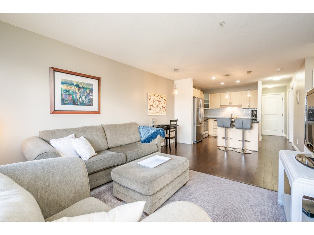 """Photo 10: Photos: 104 19774 56 Avenue in Langley: Langley City Condo for sale in """"Madison Station"""" : MLS®# R2452129"""