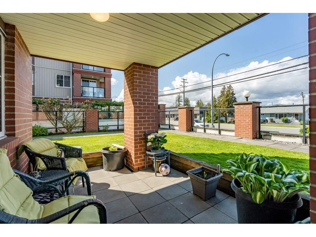 """Photo 18: Photos: 104 19774 56 Avenue in Langley: Langley City Condo for sale in """"Madison Station"""" : MLS®# R2452129"""