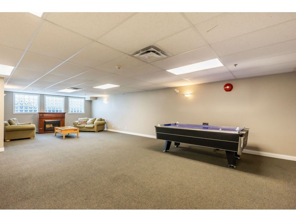 """Photo 17: Photos: 104 19774 56 Avenue in Langley: Langley City Condo for sale in """"Madison Station"""" : MLS®# R2452129"""