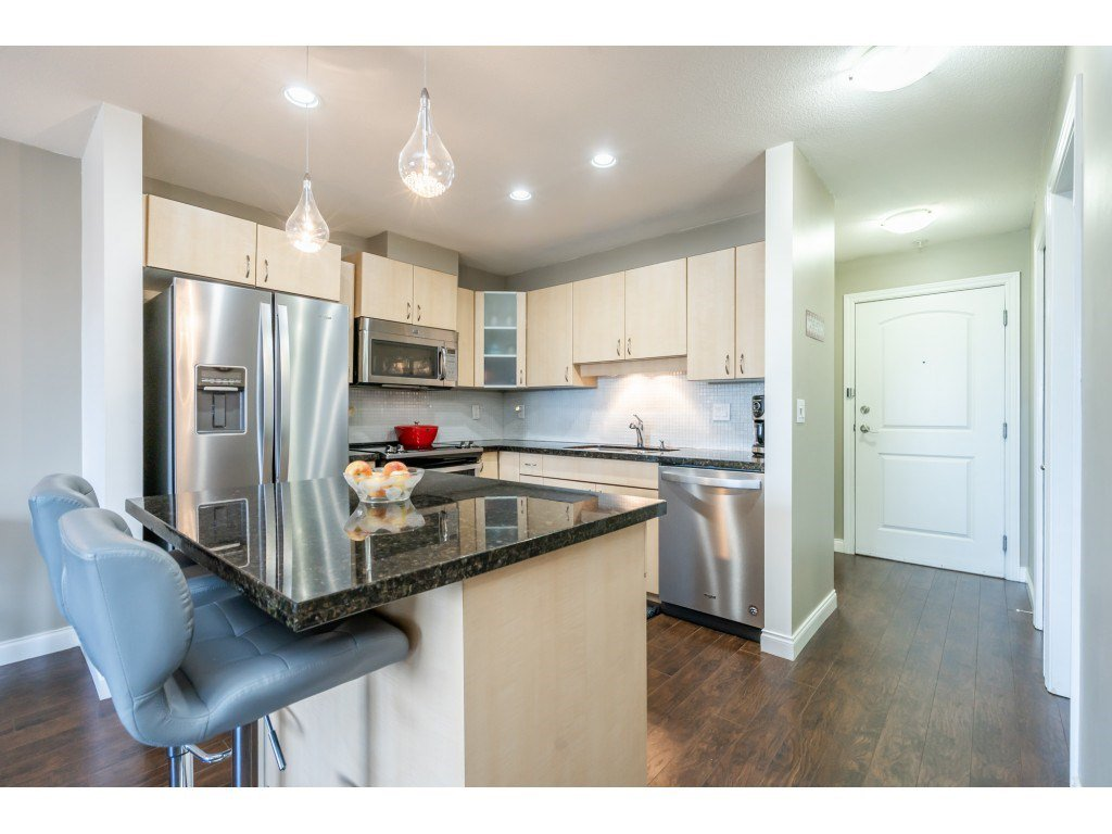 """Photo 4: Photos: 104 19774 56 Avenue in Langley: Langley City Condo for sale in """"Madison Station"""" : MLS®# R2452129"""