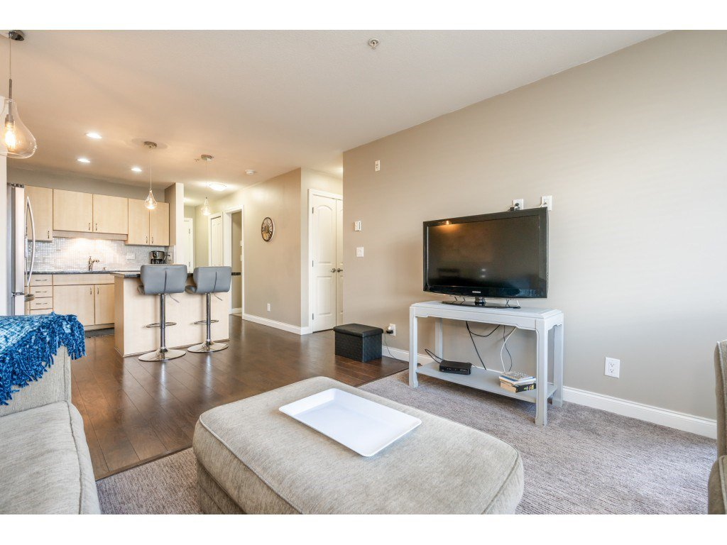 """Photo 9: Photos: 104 19774 56 Avenue in Langley: Langley City Condo for sale in """"Madison Station"""" : MLS®# R2452129"""