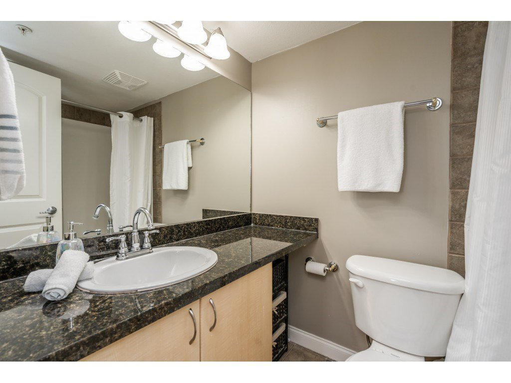 """Photo 12: Photos: 104 19774 56 Avenue in Langley: Langley City Condo for sale in """"Madison Station"""" : MLS®# R2452129"""