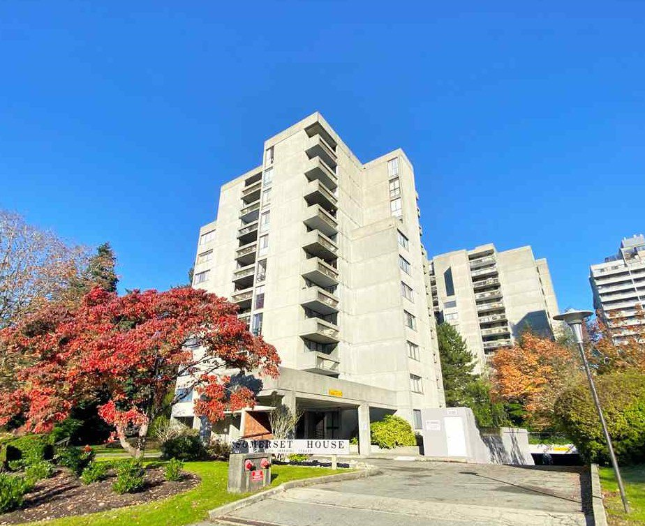 "Main Photo: 204 4105 IMPERIAL Street in Burnaby: Metrotown Condo for sale in ""SOMERSET HOUSE"" (Burnaby South)  : MLS®# R2511381"