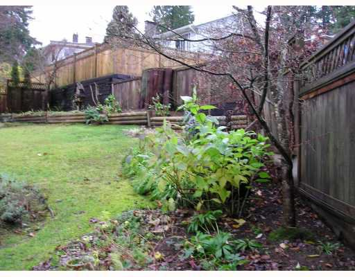 Photo 8: Photos: 936 BAKER Drive in Coquitlam: Chineside House for sale : MLS®# V798614